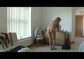 busty mother i strips showers plays fingers