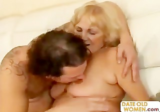granny open her face hole for young cream