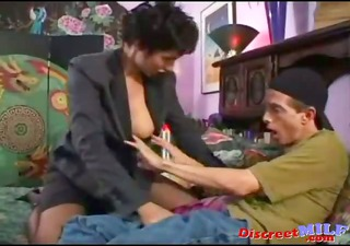 Mature cougar seduce young man to fuck her